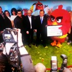 UN Secretary General and Angry Bird Cast at the UN Photo: Screenshot by V&N from official UN video