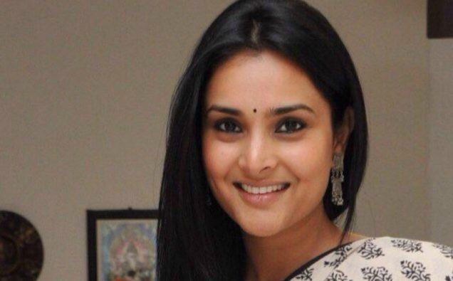 indian actress faces sedition charges for praising pakistani hospitality