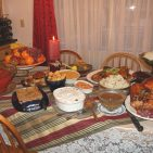 By Ms Jones from California, USA (Our (Almost Traditional) Thanksgiving Dinner) [CC BY 2.0 (http://creativecommons.org/licenses/by/2.0)], via Wikimedia Commons